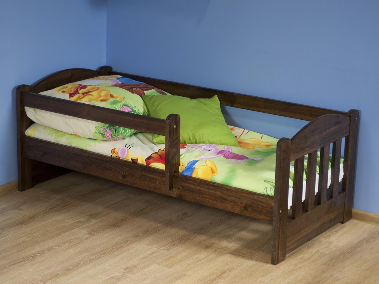 MAGNAT Dětská postel OLA 70x160 cm s matrací a roštem, masiv borovice/moření ořech