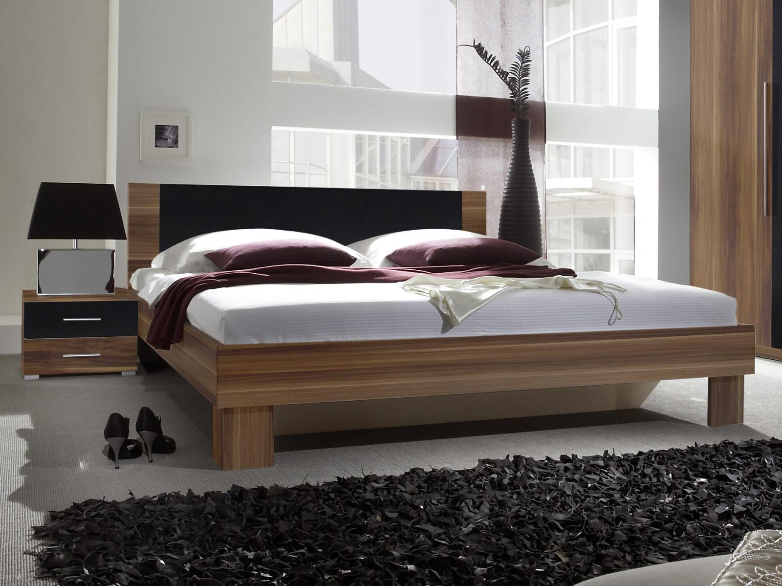 WILDER postel 180x200 cm s nočními stolky, červený ořech/černá