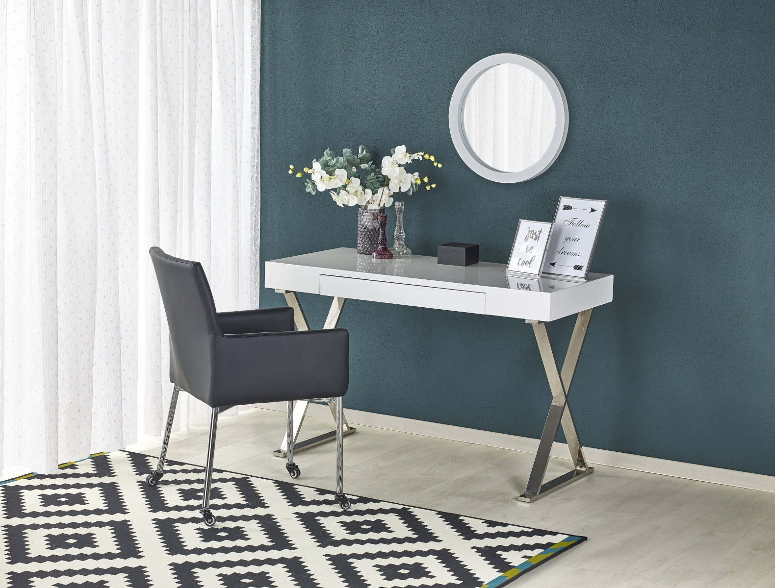 Halmar Elegantní psací stůl B31, bílý lesk/stříbrná