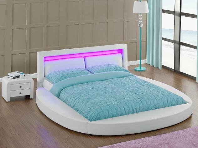 Tempo Kondela BLESS čalouněná postel s roštem a LED osvětlením 180x200 cm, bílá